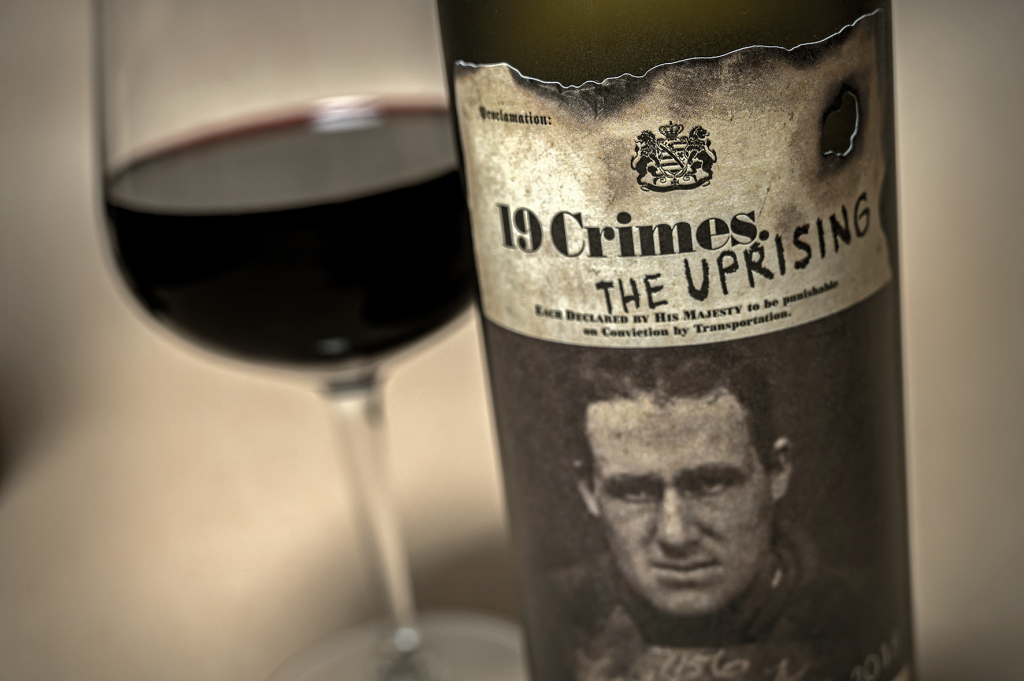 19 crimes uprising punaviini redwine viiniarvostelu