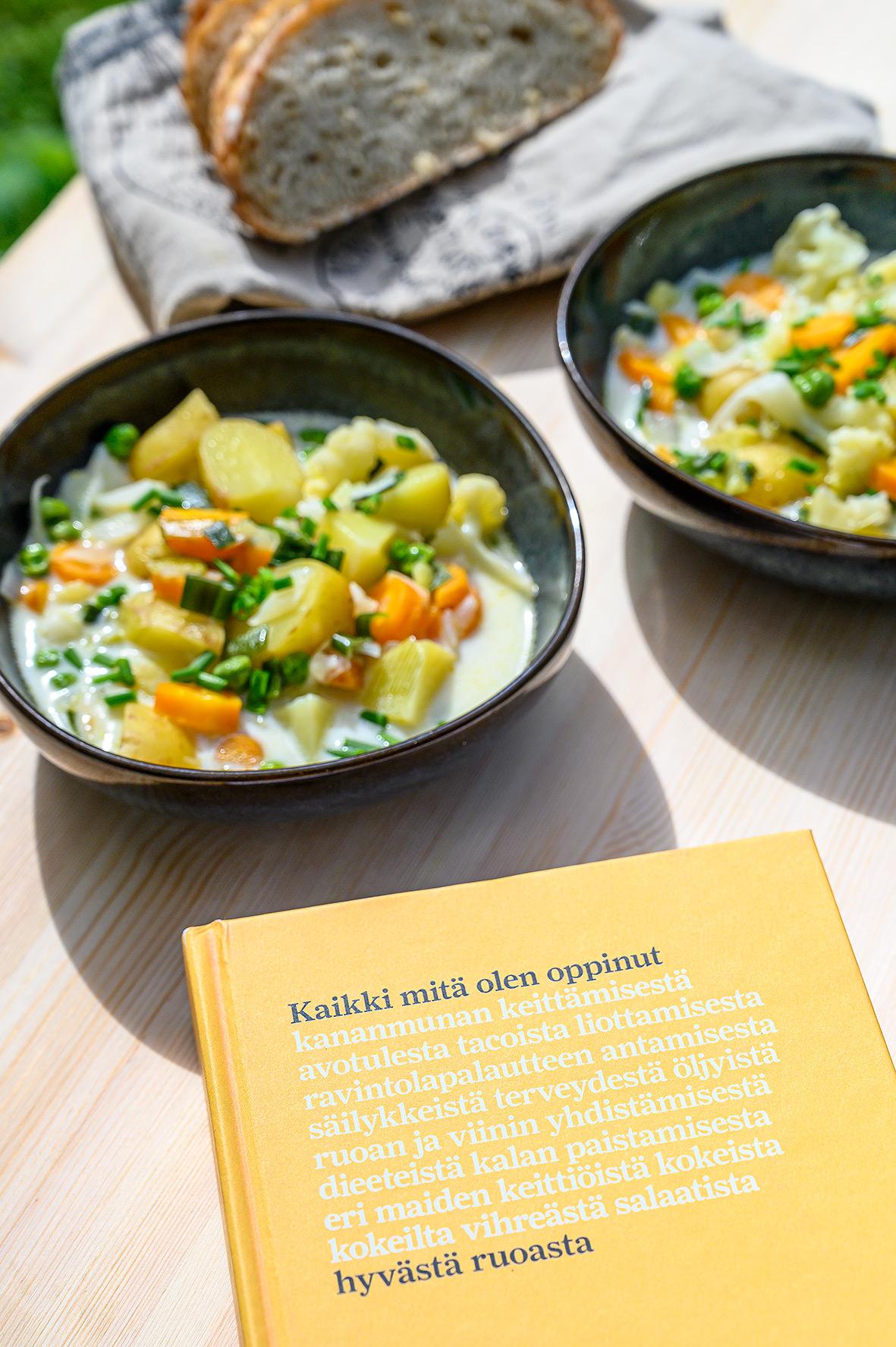 Vegaaninen kesäkeitto ja Kaikki mitä olen oppinut hyvästä ruoasta kirja
